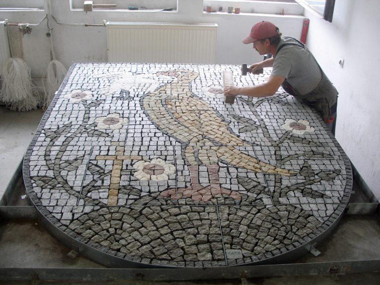 Obrazek posiada pusty atrybut alt; plik o nazwie wzor-mozaika-granitowa-768x576-1.jpg
